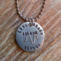 lbi-season-beach-badge-base-necklace-close-up
