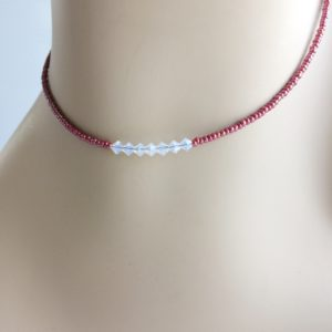 iridescent-red-seed-bead-choker-seven-crystals