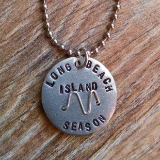 lbi-season-beach-badge-base-necklace-close-up